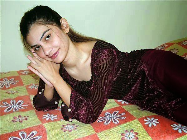 call girls nude pics in pakistan
