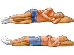 وضعية النوم تساعد في تخفيف بعض أعراض الأمراض ... وتفاقم الأخرى