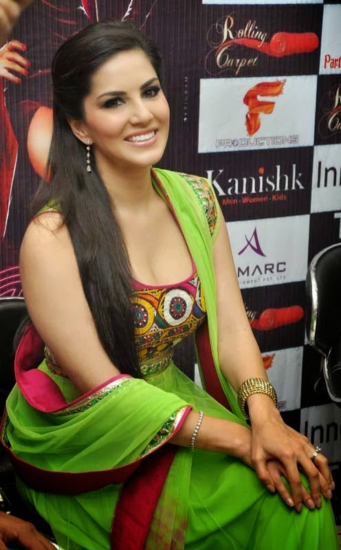 Sunny Leone MMS Hot HD Wallpapers Free Download