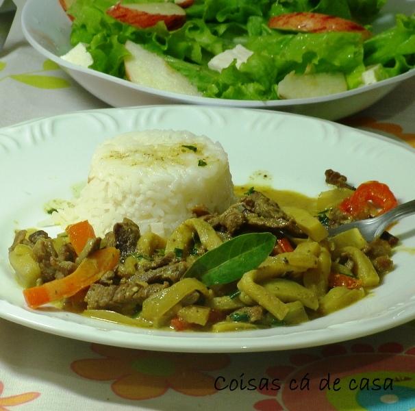 Picadinho de carne e berinjela ao curry