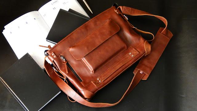 Мужская сумка из кожи, сумка через плечо, натуральная сумка из кожи. Входят документы формата А4. Размеры: 40х25х5 см