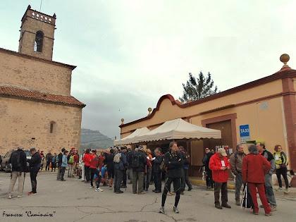 "La Plaça Sant Sebastià d'Olvan. Autor: Francesc ""Caminaire"""