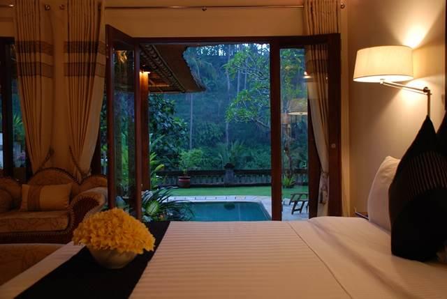 bilik-tidur-hotel-mewah-bali