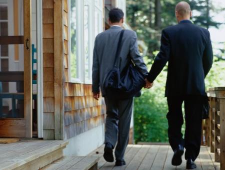 Os casos de homofobia ultrapassaram os de xenofobia, que acontecem com naturalidade nas redes sociais (Foto: Getty Images)