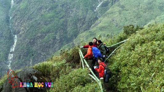 leo núi lên đỉnh Phan Xi Păng