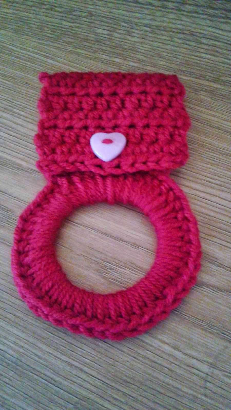 Honey D\'s Creations: Crochet Valentine Dish Towel Holder