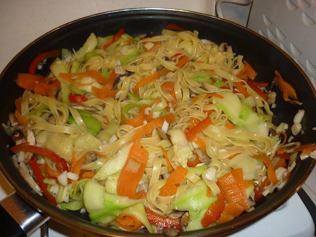 Tagliatelles au lin, fricassée de légumes et champignons, miam, cuisine, bullelodie