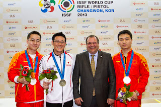 Wang, Matsuda e Mai - Pistola 50m - Copa do Mundo ISSF 2013 - Tiro Esportivo