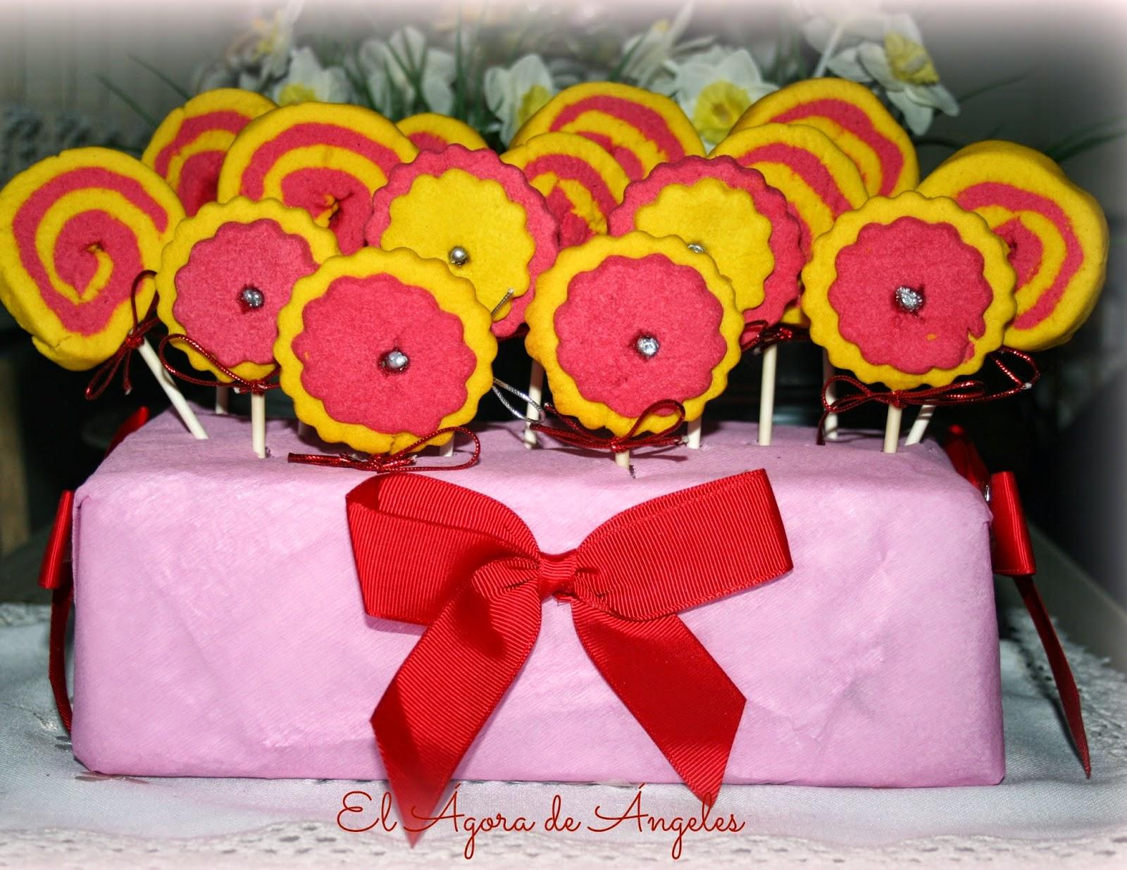 Piruletas de galleta, galletas de mantequilla, galletas espiral,cumpleaños