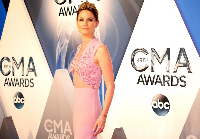 Singer @ Jennifer Nettles - 49th Annual CMA Awards in Nashville