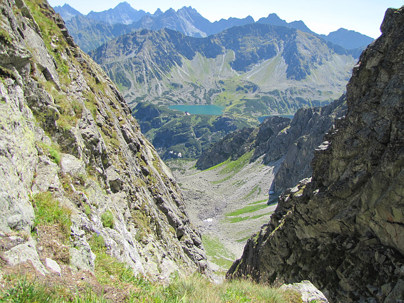 Buczynowa Dolina z Granackiej Przełęczy.