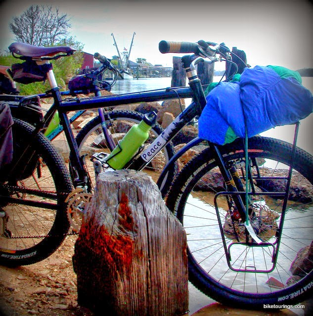 bicycle touring along Colorado River