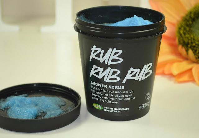 Rub Rub Rub - Body scrub - shower scrub - Lush - Body products - review - swatch - exfoliator - Lush oxford street - sea salt scrub - hair scrub