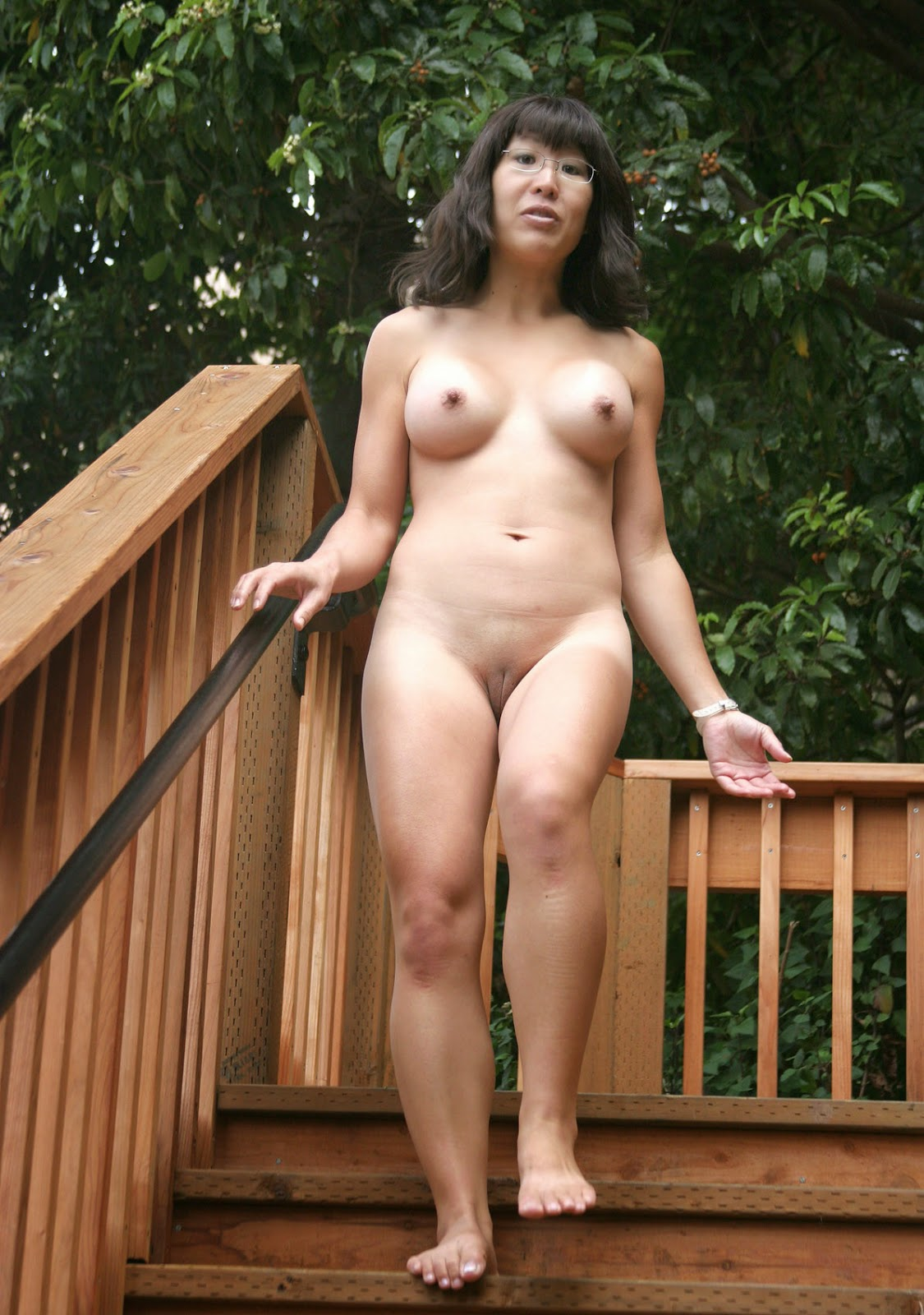 Nude asian women in public