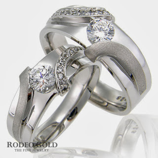 http://www.rodeogold.com/new-engagement-rings/gold-engagement-rings-tcr56995#.UpoOuI2ExAI