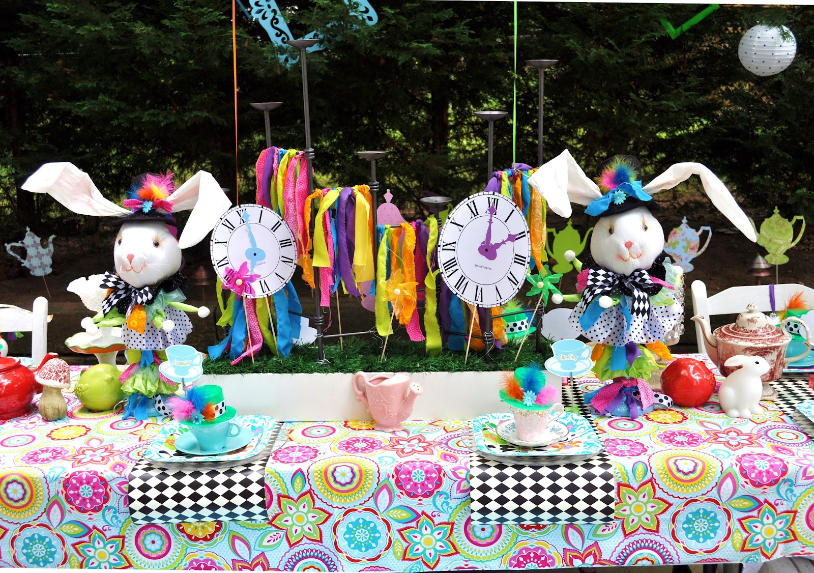 Meghily 39 s alice in wonderland party - Alice and wonderland party decorations ...