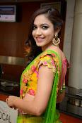 Reetu varma sizzling in half saree-thumbnail-3