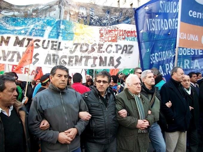 """Micheli: """"vamos a reventar las plazas de este país porque este pueblo no aguanta más"""""""