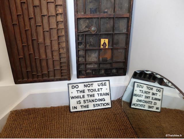 déco vintage antiquaire pancarte fer Do Not Use The Toilet