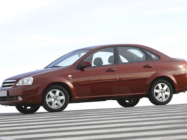 Side image of Chevrolet Lacetti