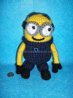 Minion realizafo a crochet con laba acrílica