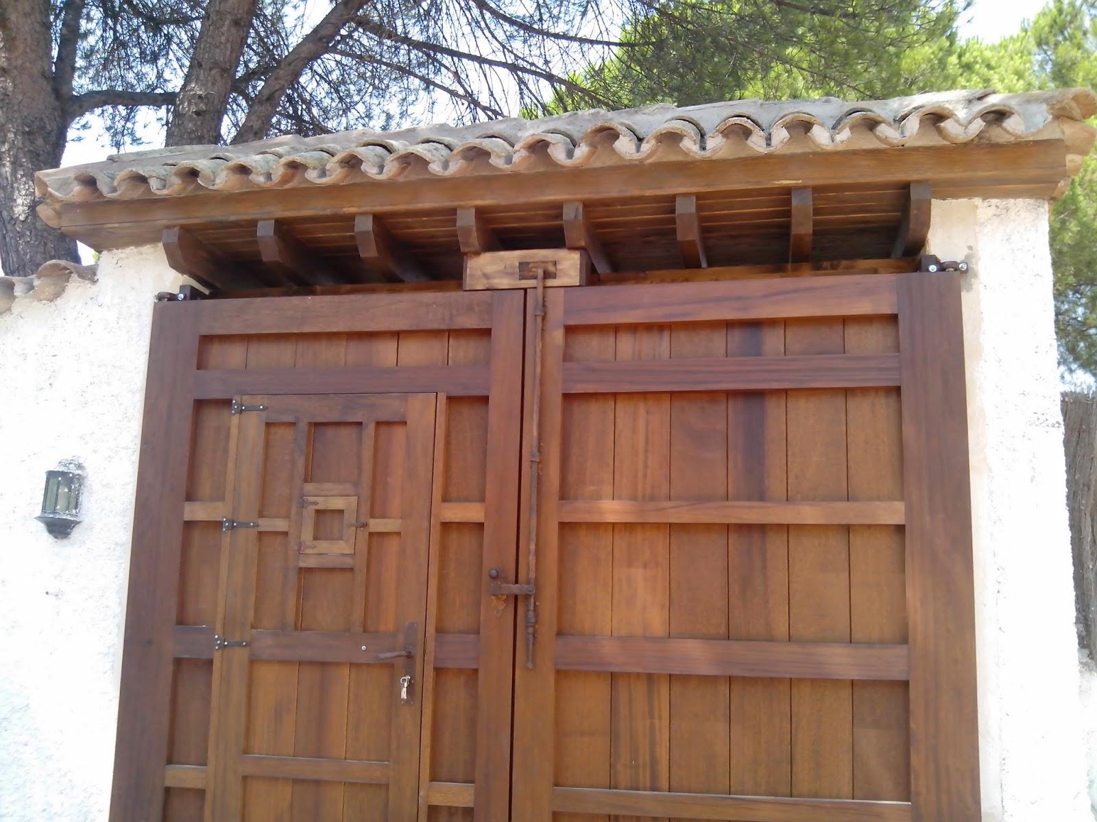 Librer as a medida en madrid muebles de madera fabritecma for Portones madera rusticos