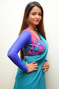 Anaika soti sizzling in saree-thumbnail-15