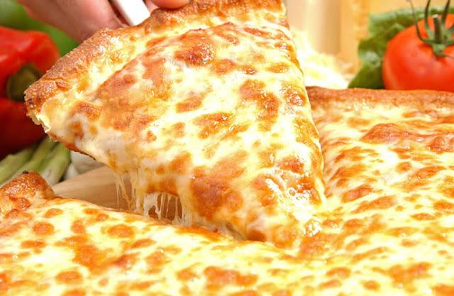 http://3.bp.blogspot.com/-edAxO0QS-Es/TYVe7fcyoJI/AAAAAAAAAE8/PrK2KwN5zrQ/s1600/sarpinos-pizza-01.jpg