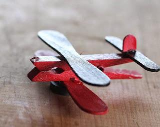 ide kreatif cara membuat kerajinan Miniatur pesawat terbang dari stik es krim
