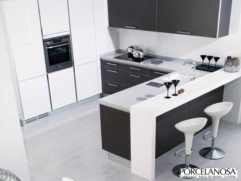 Porcelanosa for Petite cuisine amenagee
