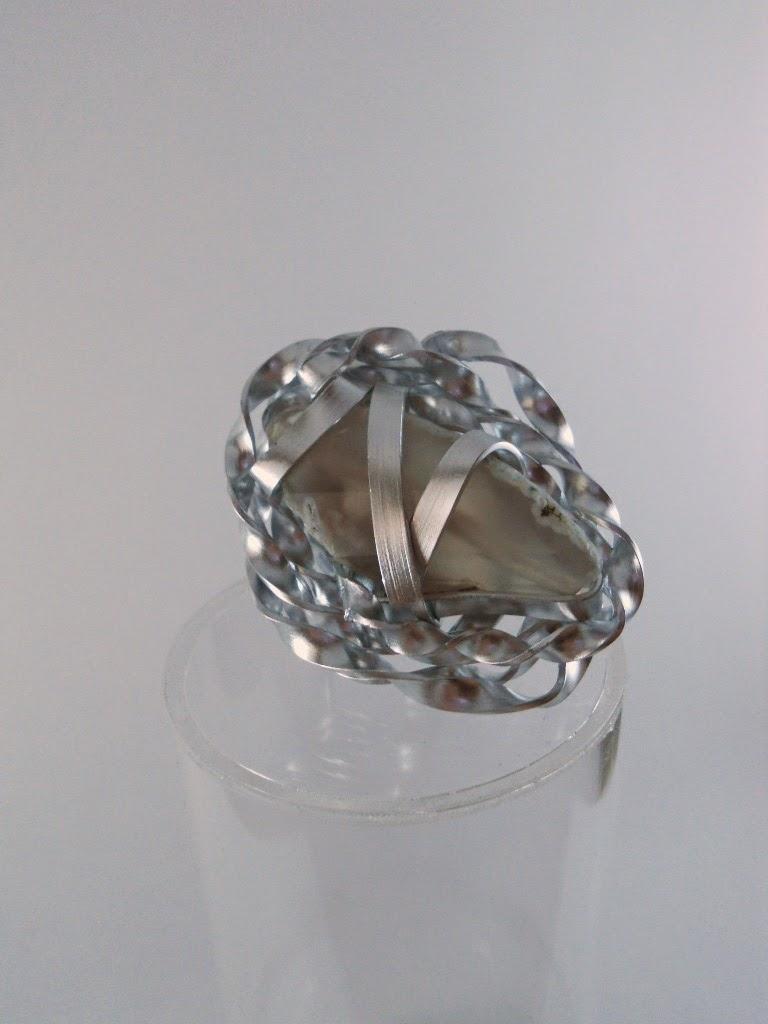 Anello in alluminio e agata