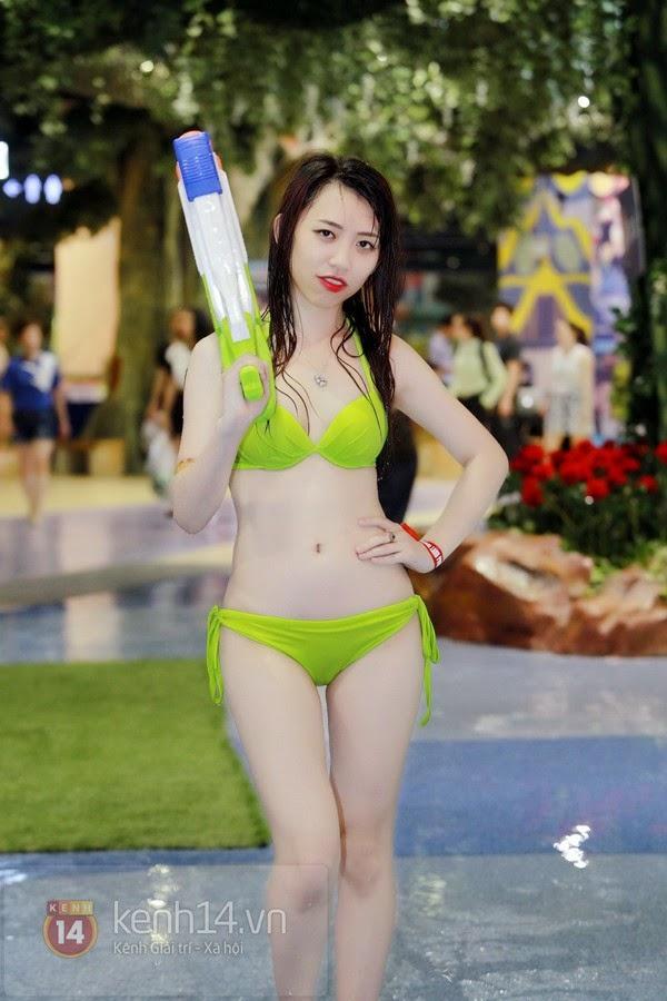 Teen xinh diện bikini cực nóng bỏng