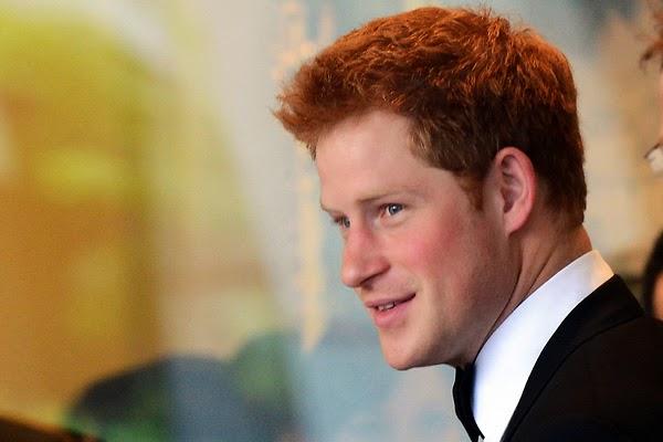 Charing Cross színház, Diana hercegnő, Harry herceg, Károly herceg, Charles herceg, James Hewitt,