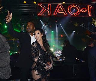 Baju Tembus Pandang Kim Kardashian