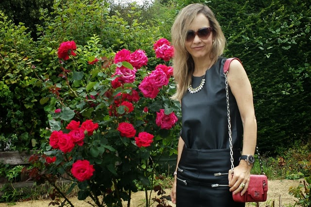 Como combinar un look total leather