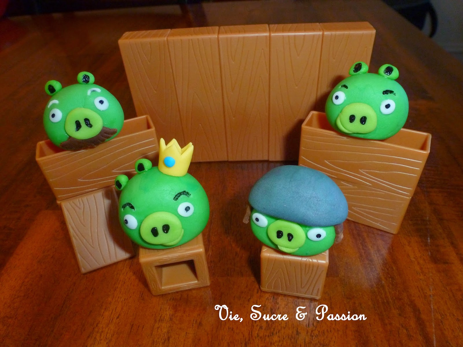 Vie sucre passion figurines angry birds comestibles en - Cochon angry bird ...