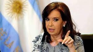 Hola @CFKArgentina Le acompañamos desde Colombia