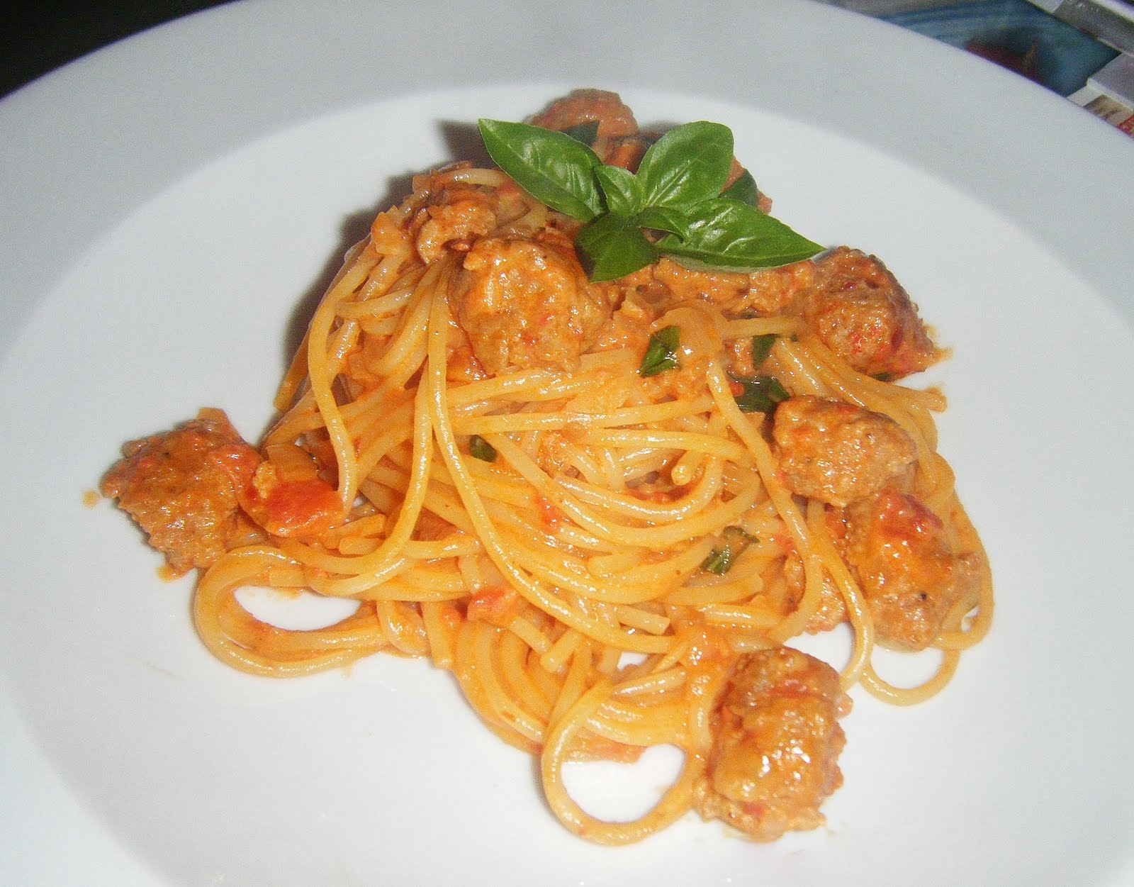 Spaghetti with Italian Sausage and Vodka Sauce - Onion Rings & Things