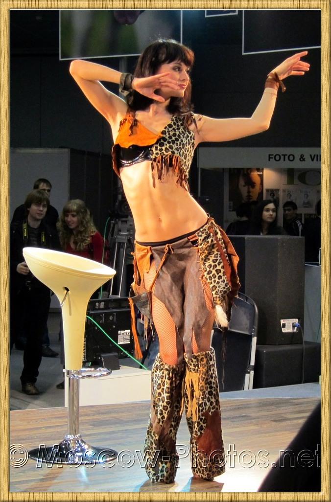 Dancing girl at Photoforum 2010