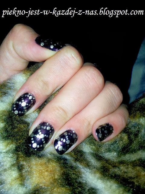 Prosty, ale efektowny wzorek na paznokciach