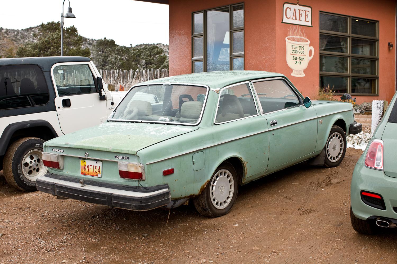 THE STREET PEEP: 1975 Volvo 242 DL