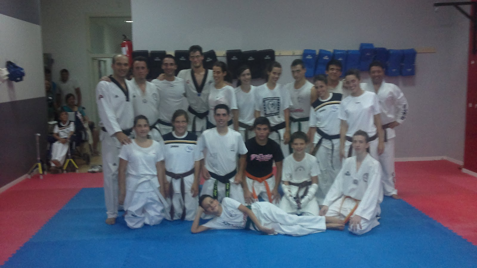 La clase de adultos empieza animarse club taekwondo la for Gimnasio gandia