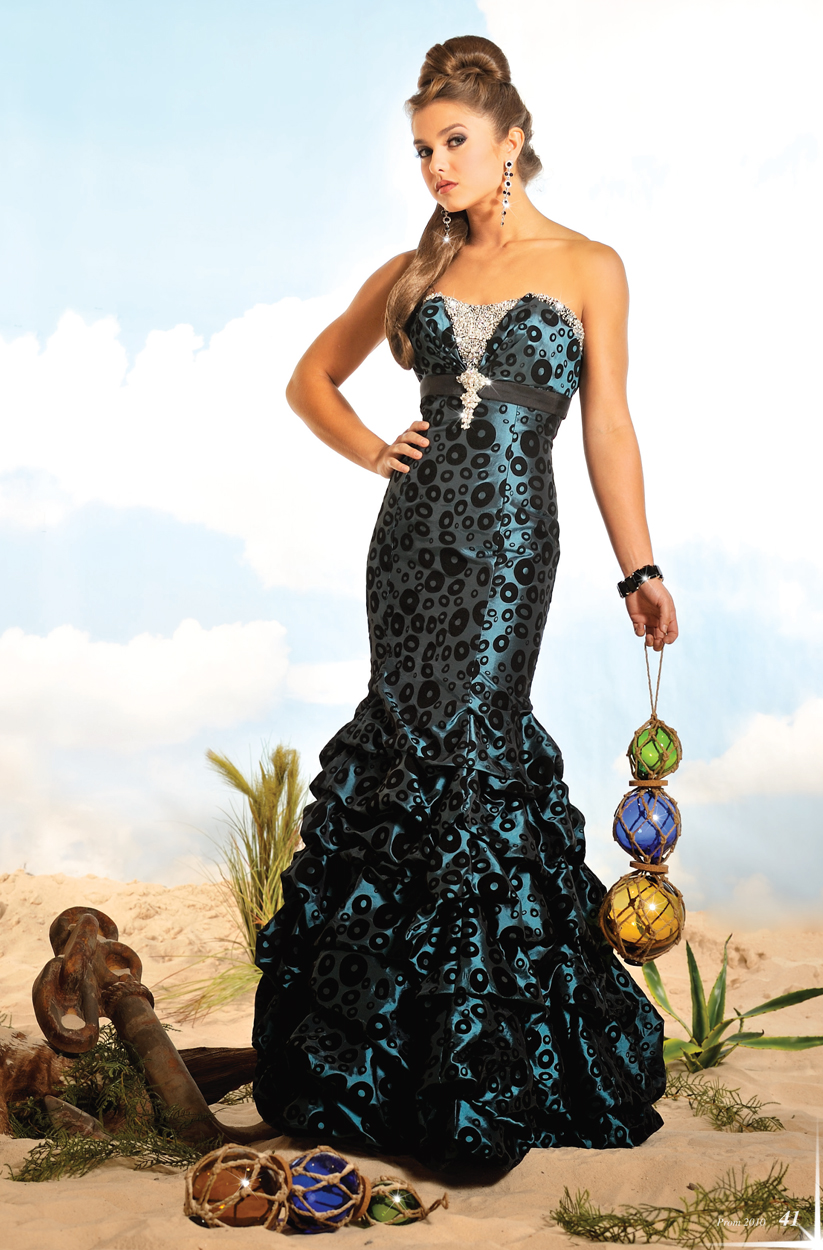Gowns Pictures, Gowns Clip Art, Gowns Photos, Images, Graphics