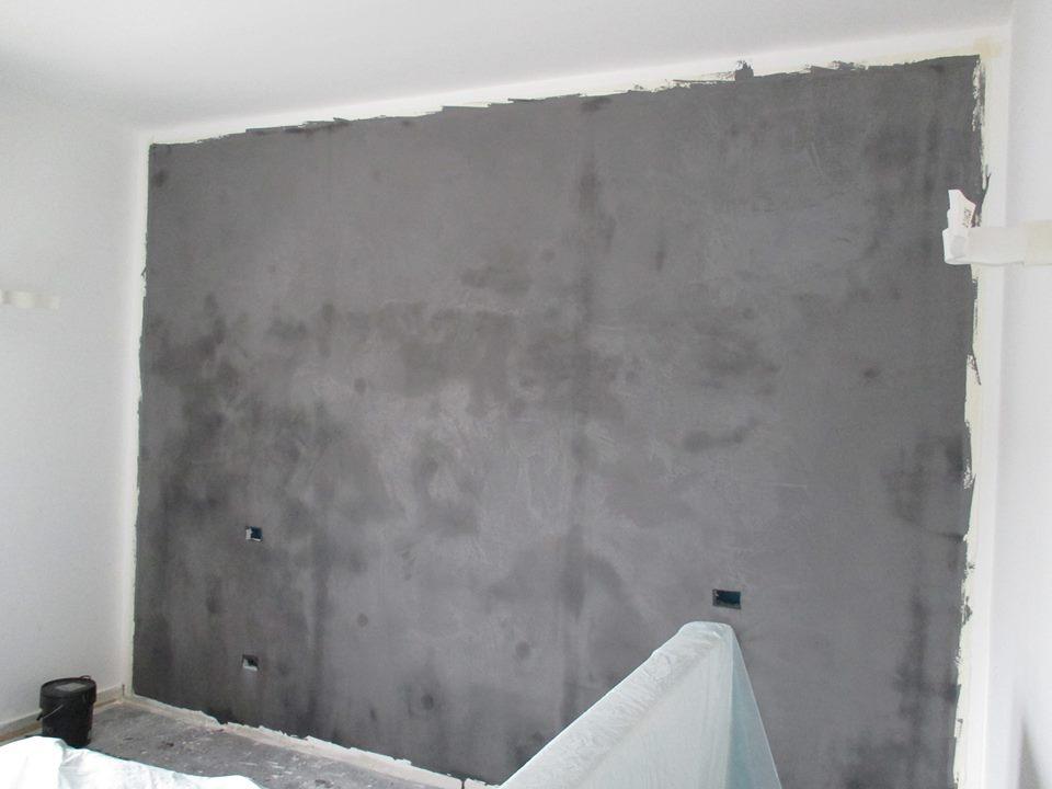 Parete effetto cemento fai da te confortevole soggiorno for Parete effetto cemento