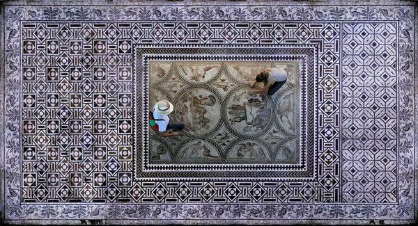 http://3.bp.blogspot.com/-eeLdGOw1q7Y/UbUkbcmYvII/AAAAAAAAFvY/r4aKVJDAWfg/s1600/Hermes.+El+Mosaico+de+los+Amores.jpg