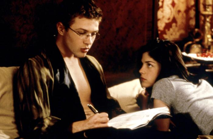 Sebastian and Cecile in bed Cruel Intentions 1999 movieloversreviews.blogspot.com
