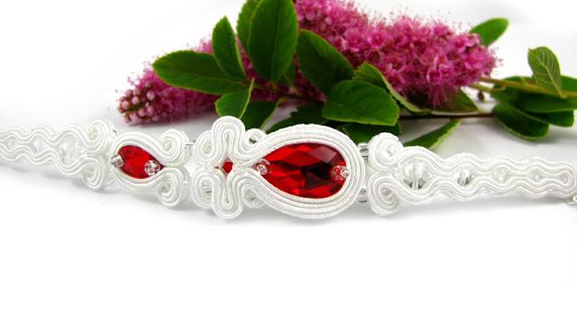 Czerwona bransoletka ślubna sutasz