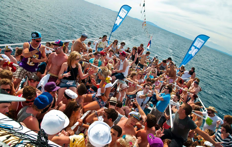 How to Plan Your Birthday on a Party Boat Luxury Car and Yacht Rentals