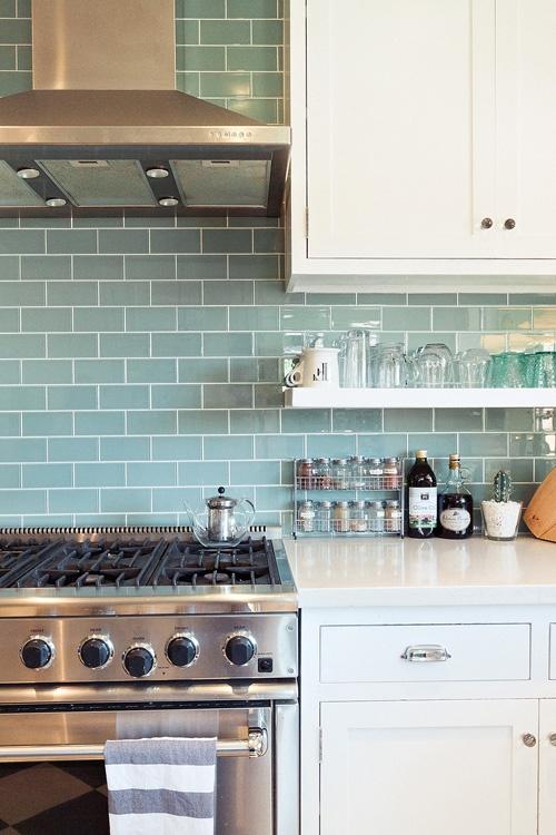 Ideas de almacenaje para cocinas peque as colgadadeunapercha - Almacenaje de cocina ...