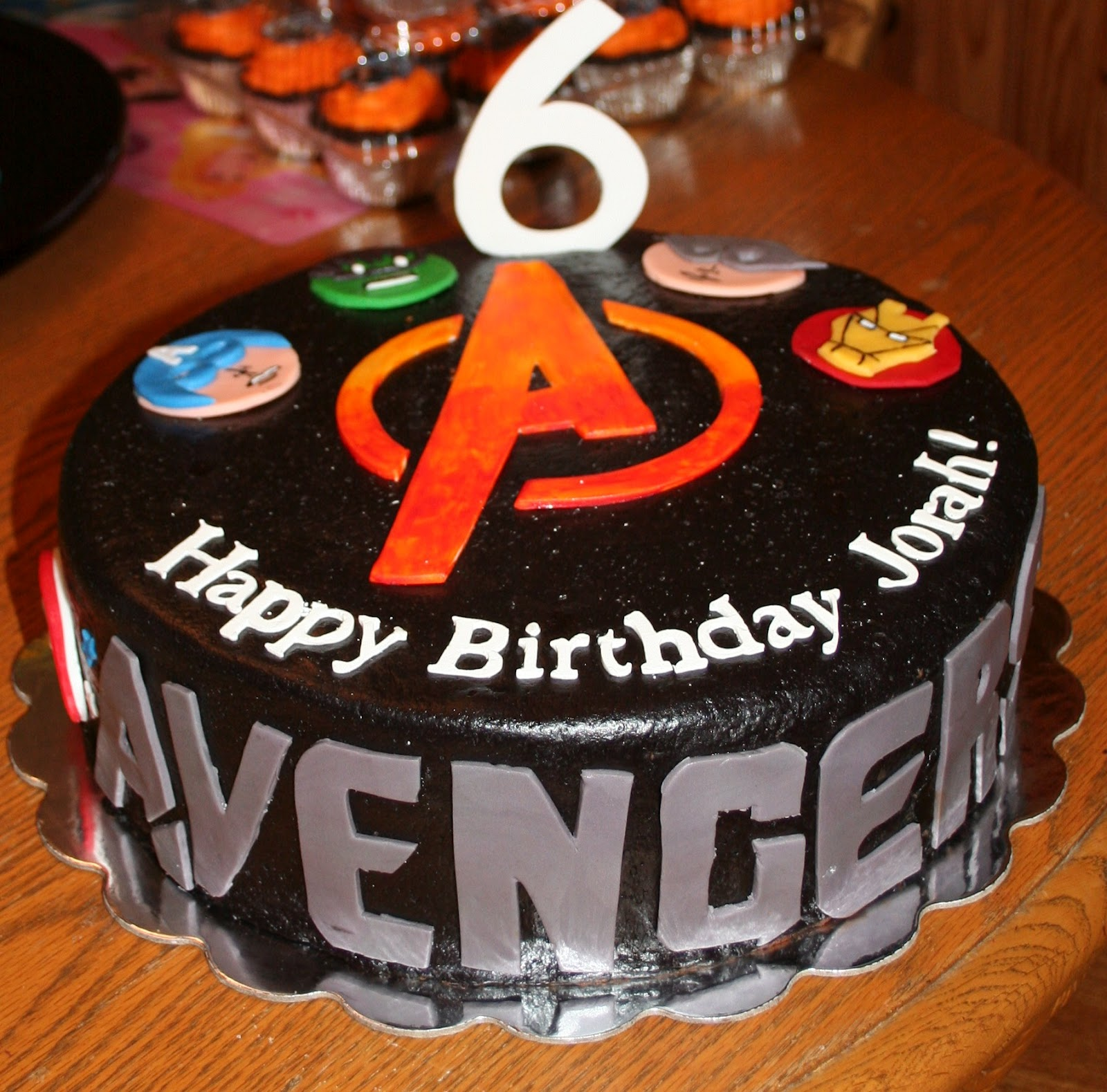 Pink Frosting Bakery: Avengers cake and cupcakes